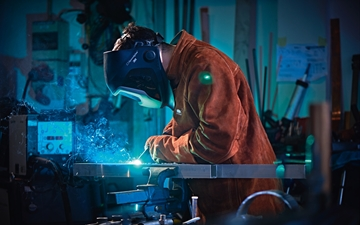 MIG welding. 